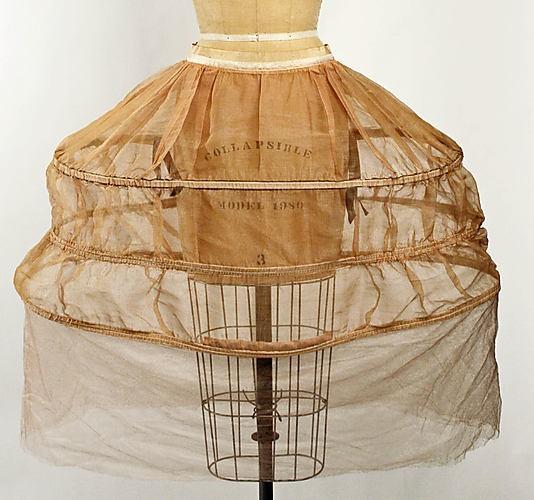 Robe de style panniers