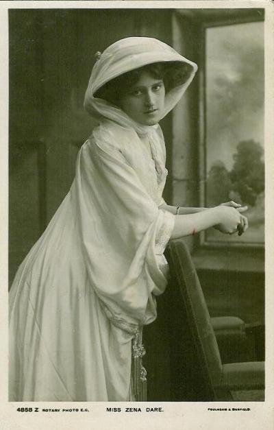Zena Dare, 1908