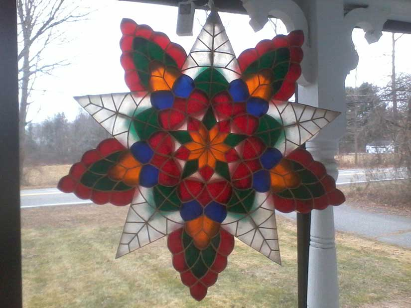 The Hallock parol in rural New England. Keeping the neighborhood jolly!