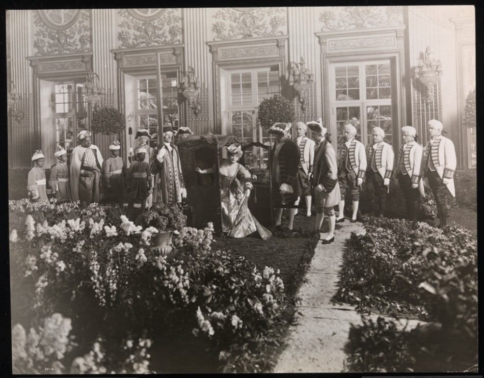 Hyde Ball, Large Group in Garden of Versailles with Madame Rejane