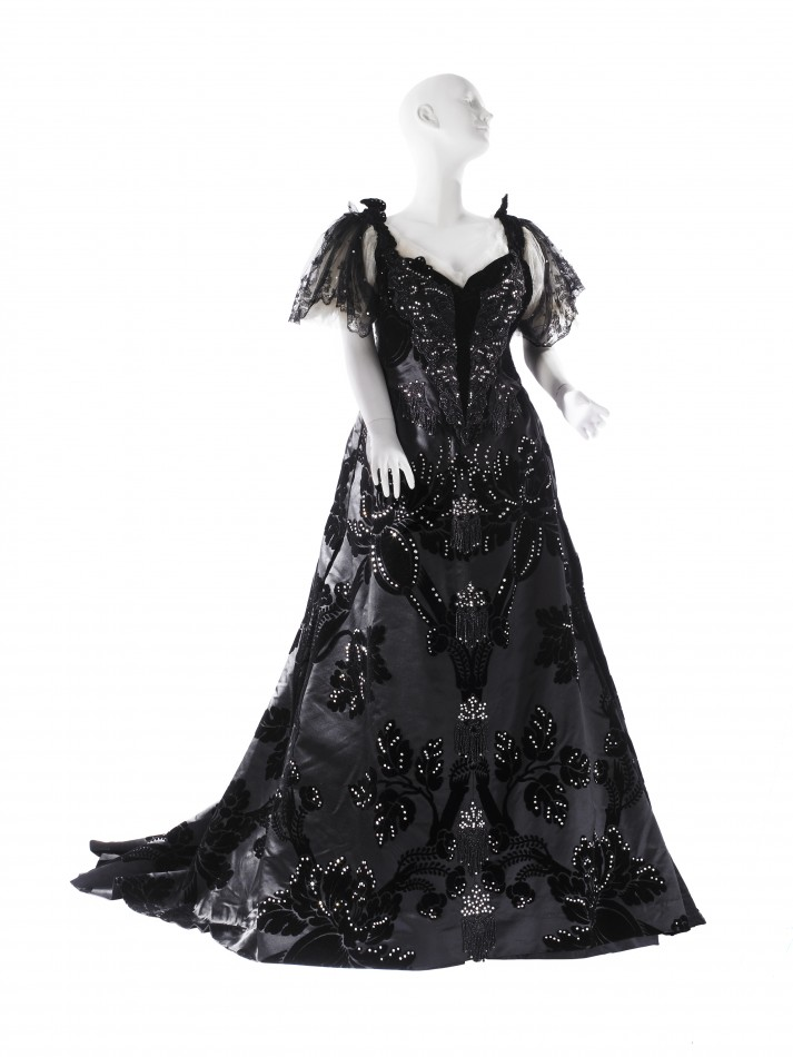 Voided velvet evening gown by Maison Worth, ca. 1894